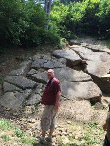 Roman Vodeb Teoretski Psihoanalitik piramide bosna osmanagic 225x300 - Bosanske piramide v Visokem?! Osmanagićologija (1. del)